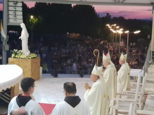 Archbishop Hoser on Medjugorje altar